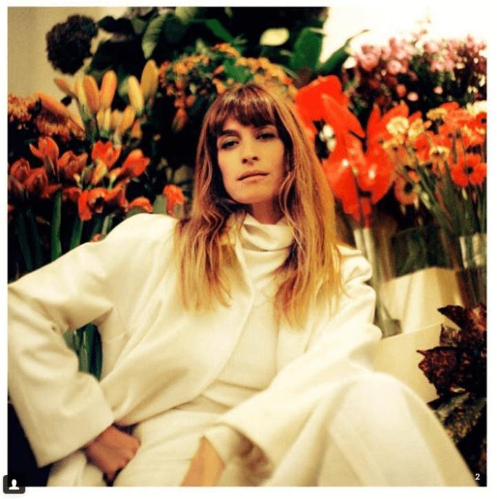 Pożyczanie męskich ubrań jest seksowne – przekonuje francuska modelka, Caroline de Maigret.