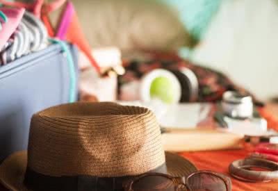 Jak zabezpieczyć mieszkanie przed wyjazdem na urlop?