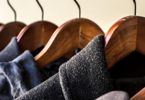Zimowe trendy, czyli puchówki kontra wełniane płaszcze