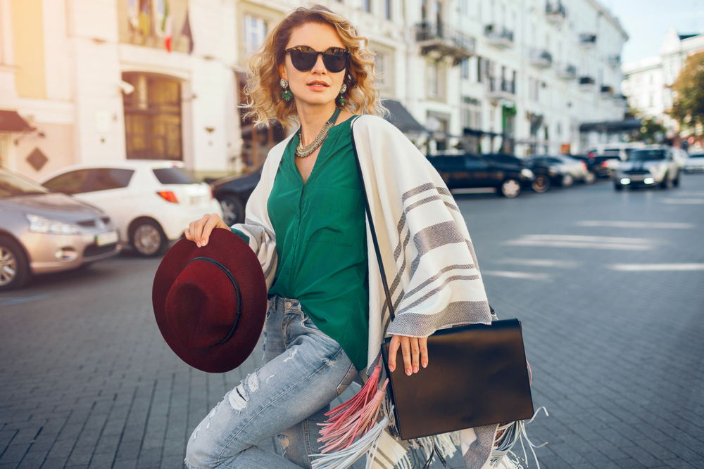 Modne torebki na wiosnę - shopperki, nerki czy klasyka?