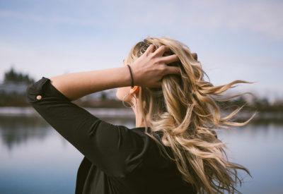 Od czego zależy stan włosów i jak je wzmocnić?