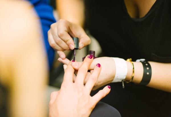 Jak zadbać o stan naszych paznokci?