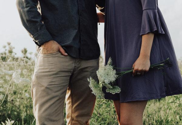 Stylizacje na wiosenną randkę - jak wyglądać czarująco?