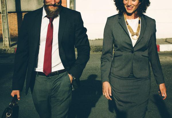 Atrakcyjnej kobiecie trudniej o awans