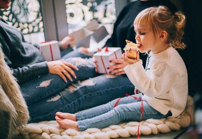Prezent na mikołajki – jak dobrać do wieku małego dziecka?