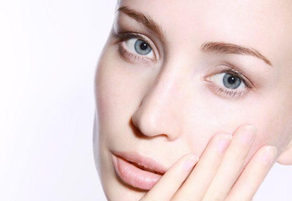 Krem pod oczy - podstawa codziennej pielęgnacji twarzy