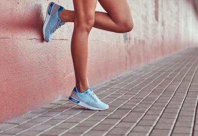 Sneakersy - idealne obuwie na wiosnę 2020
