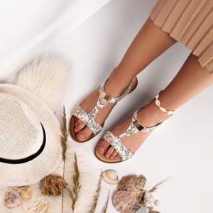 Błyszczące damskie sandałki