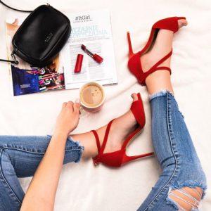 Czerwone damskie obuwie