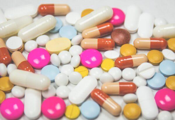 Po leki na potencję sięga wielu mężczyzn. Czy słusznie?