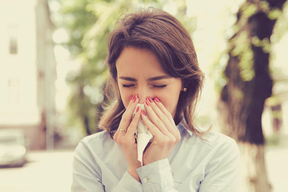 Wiosenne przeziębienie czy alergia – jak odróżnić?