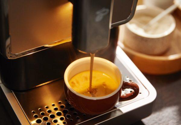 Idealna kawa czarna – jaka jest różnica między espresso, caffè crema a kawą przelewową?