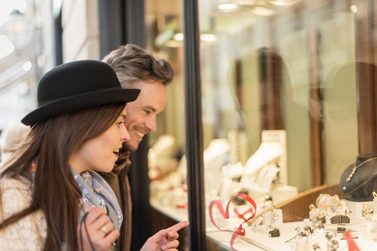 Którego jubilera wybrać? Znane marki czy mniejsze sklepy jubilerskie?