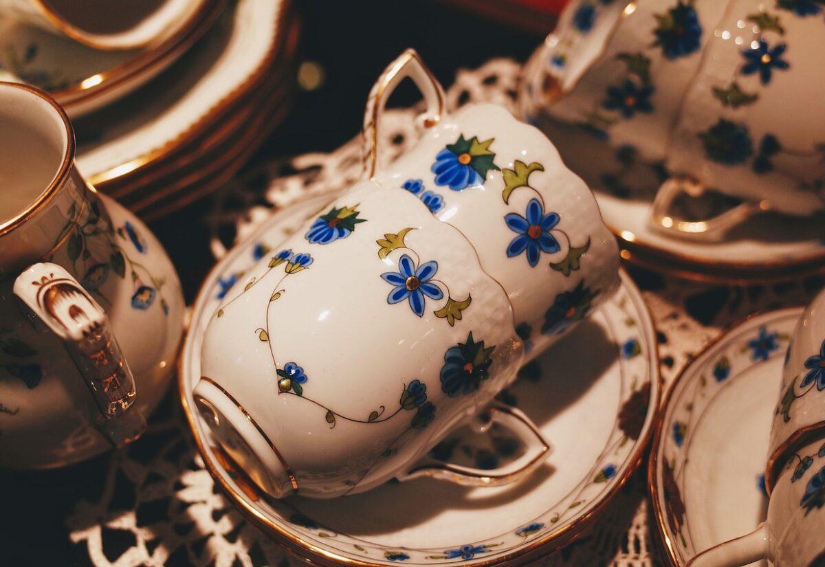 Zestaw filiżanek do kawy – idealny pomysł na prezent