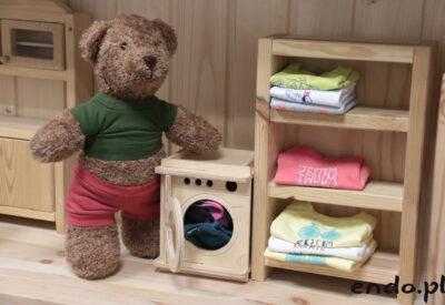 Składanie i układanie ubranek niemowlęcych – poradnik dla początkujących
