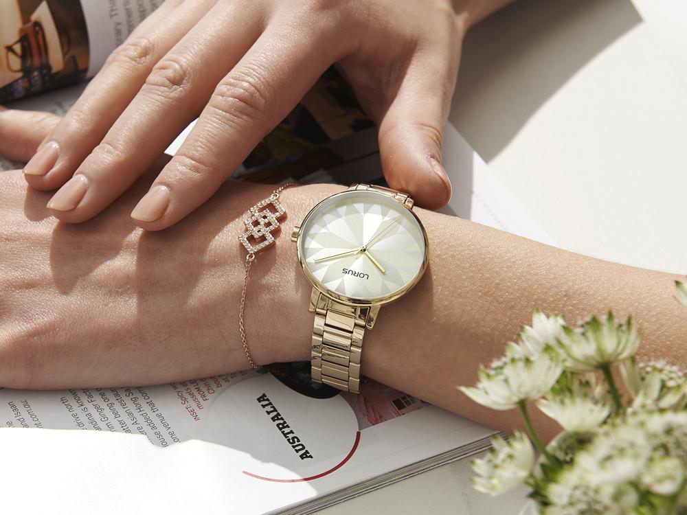 Elegancki zegarek dla kobiety – jaki model wybrać?