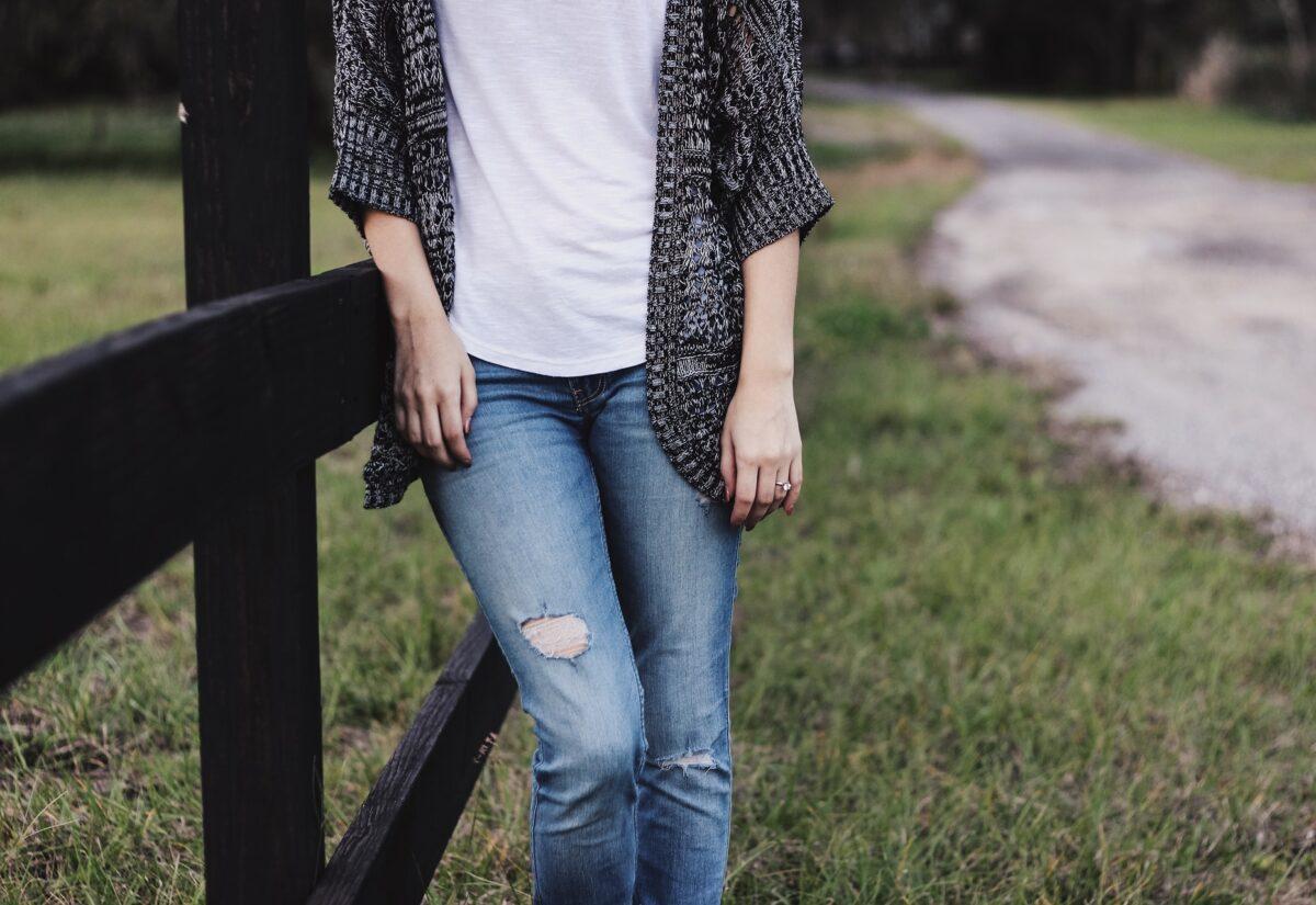Polskie koszulki bawełniane – dlaczego warto je wybrać?