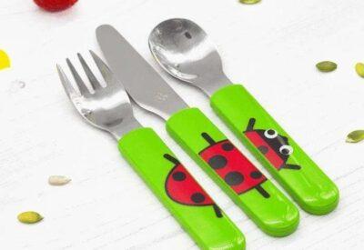 Jak nauczyć dziecko samodzielności przy jedzeniu - kilka prostych zasad
