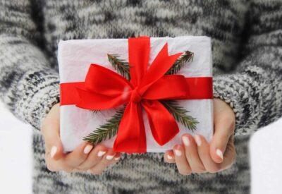 Karta podarunkowa - jakie korzyści płyną z wybrania jej na prezent?