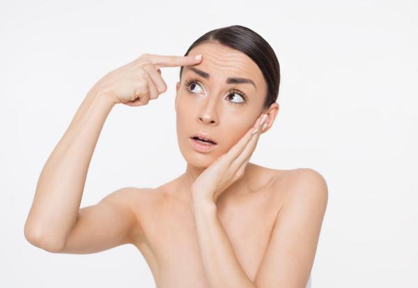 Potrądzikowe przebarwienia twarzy – jak je usunąć?