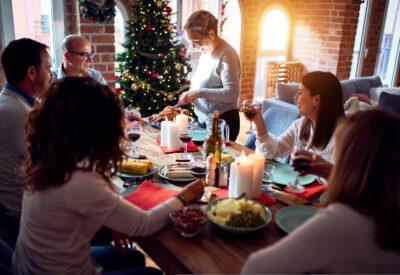 Trzy pomysły na elegancką stylizację na Wigilię w rodzinnym gronie