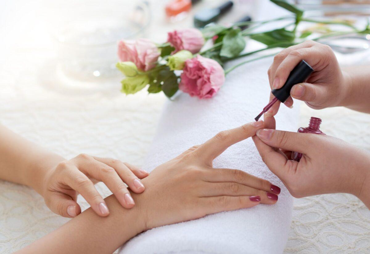Baza do paznokci – co warto wiedzieć?
