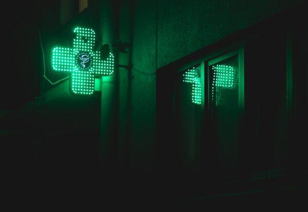 Apteki internetowe w dobie koronawirusa - jak szybko znaleźć potrzebne leki?