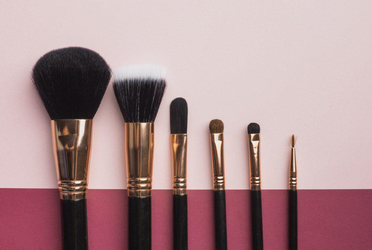 Jak myć pędzle do makijażu aby zachować ich funkcjonalność na dłużej?
