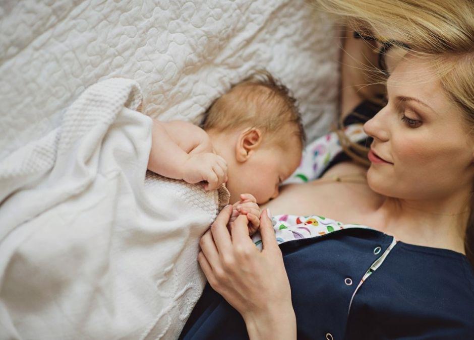 Koszula do porodu i karmienia – jaką wybrać?