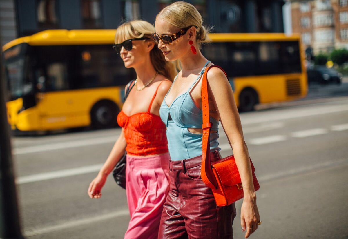 Najmodniejsze torebki na lato w stylu lat 90.