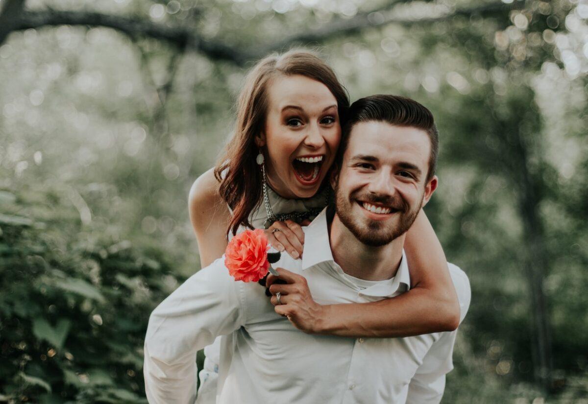 Ogłoszenia matrymonialne — czy to dobry sposób na znalezienie miłości?