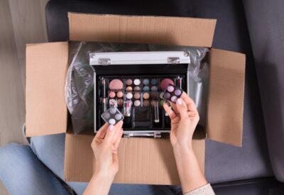 Dlaczego warto kupować kosmetyki online? Praktyczne porady