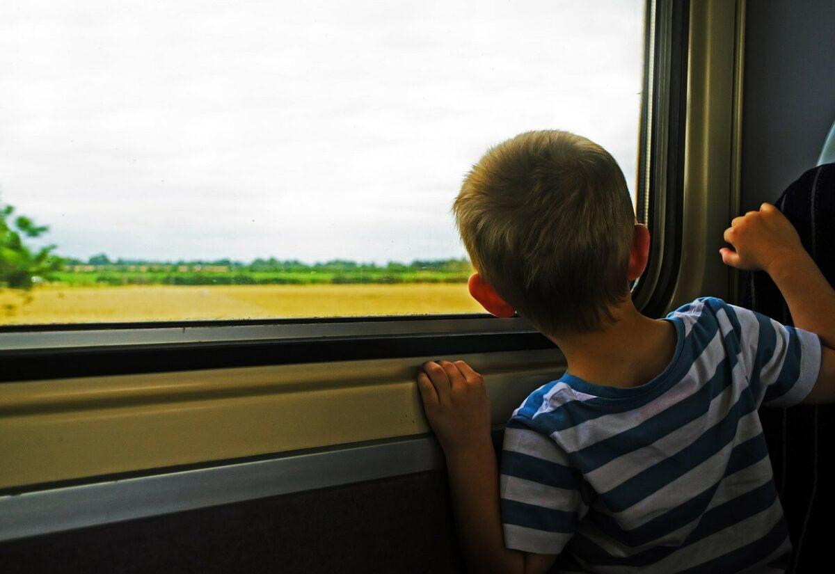 Choroba lokomocyjna u dziecka – jak mu pomóc?