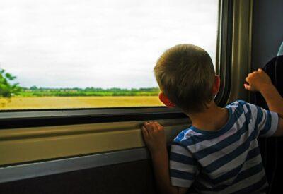 Choroba lokomocyjna u dziecka - jak mu pomóc?