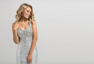 Sukienka – trzy sposoby na zmysłowy efekt z klasą