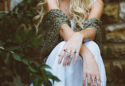 Jaka biżuteria będzie pasować do Twojej stylizacji? Sprawdź!