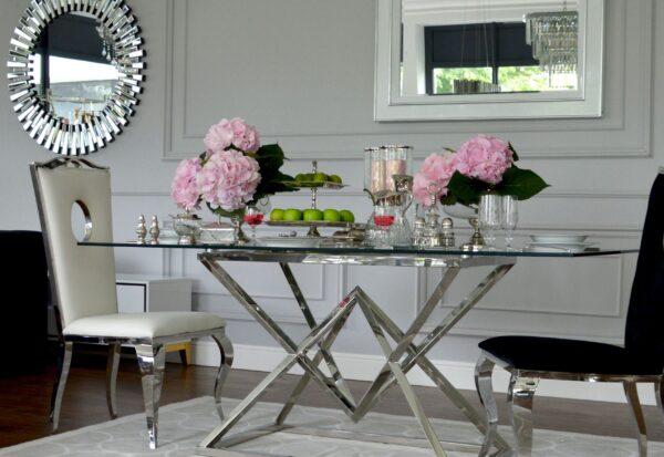 Jaki stół najlepiej wybrać do jadalni?
