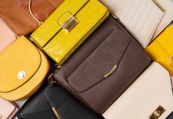 Najmodniejsze torby na jesień 2021. Zobacz 8 modeli dla torebkomaniaczek i minimalistek