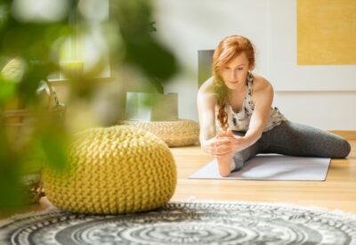 Zadbaj o swoje ciało nie tylko w lecie, czyli 5 najbardziej efektywnych ćwiczeń do wykonania w domu