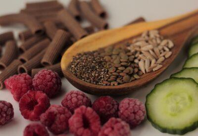 Czego nie jeść w ciąży? Niewskazane produkty spożywcze