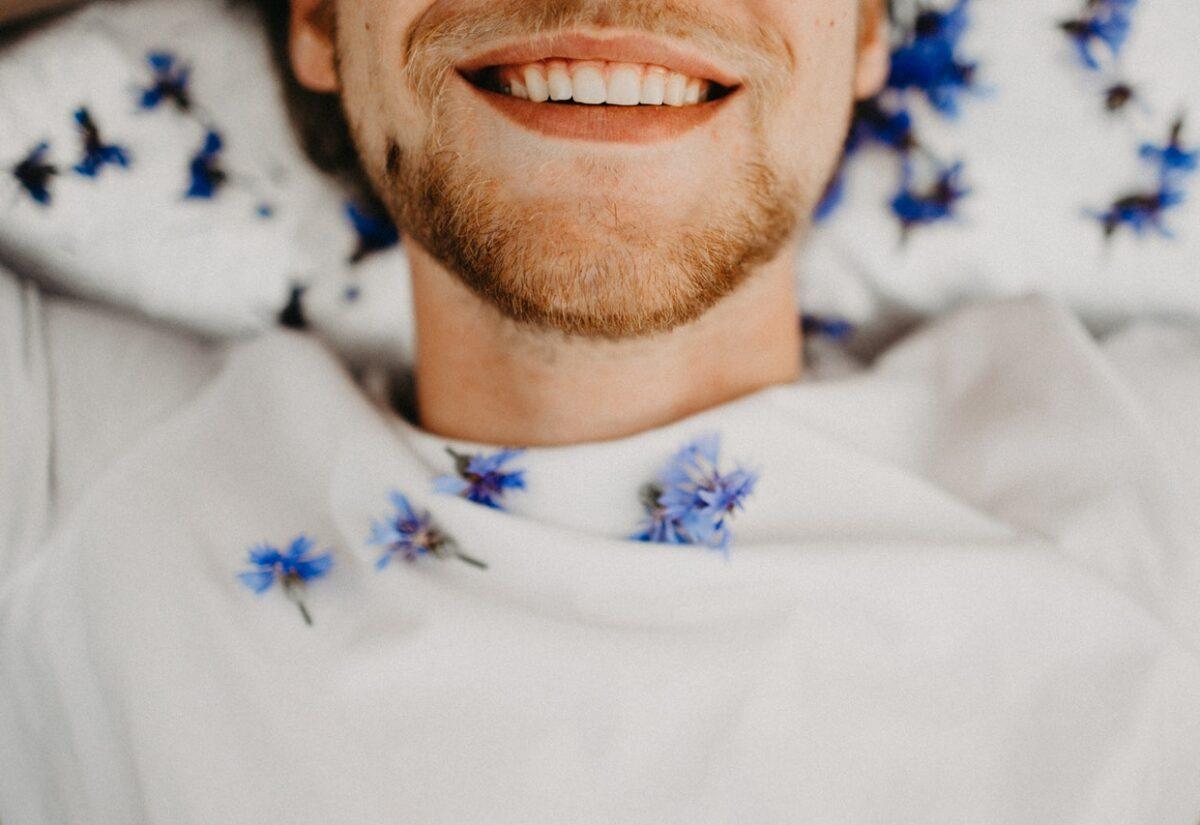 Czy zęby można wybielić domowymi sposobami?
