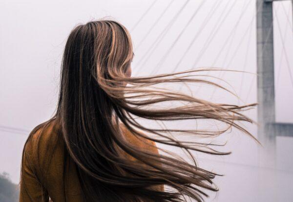 Co zrobić, kiedy włosy wypadają?