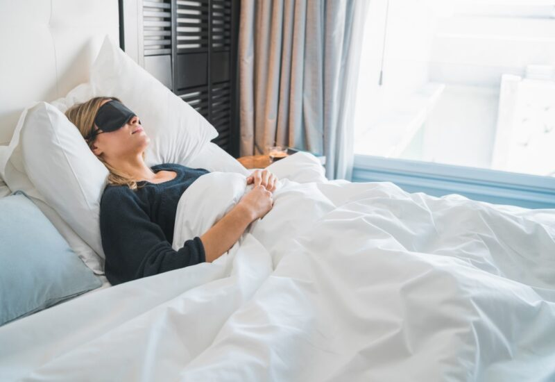 3 najzdrowsze pozycje do spania