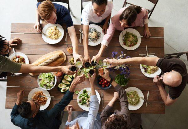 Udana domówka - co postawić na stole?
