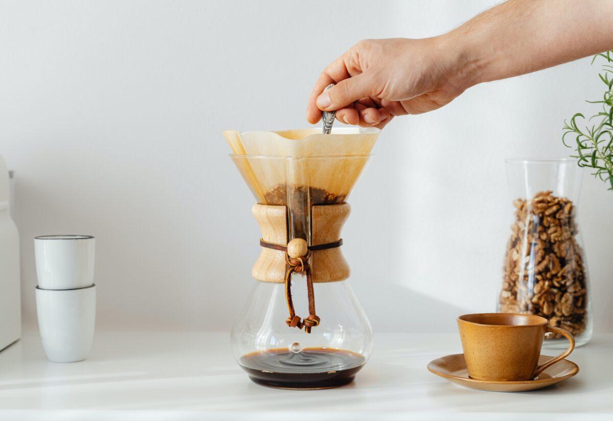 Przelew i chemex – jaką kawę wybrać do tych metod parzenia?